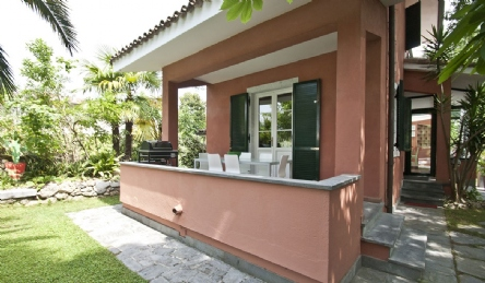 Villa for rent with pool: Outside view