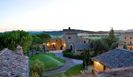 Castle - medieval town in Umbria: Outside view