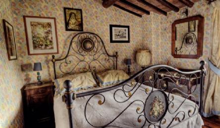 Тосканский дом с панорамным бассейном: Наружный вид