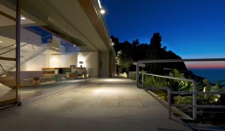 Villa di lusso con discesa privata e accesso al mare: Vista esterna