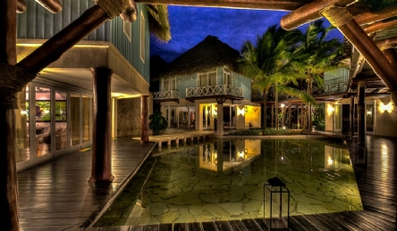 Luxury villa in Tortuga Bay: Outside view