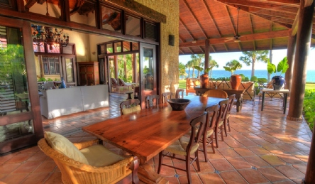 Magnificent luxury villa in Cabarete: Outside view