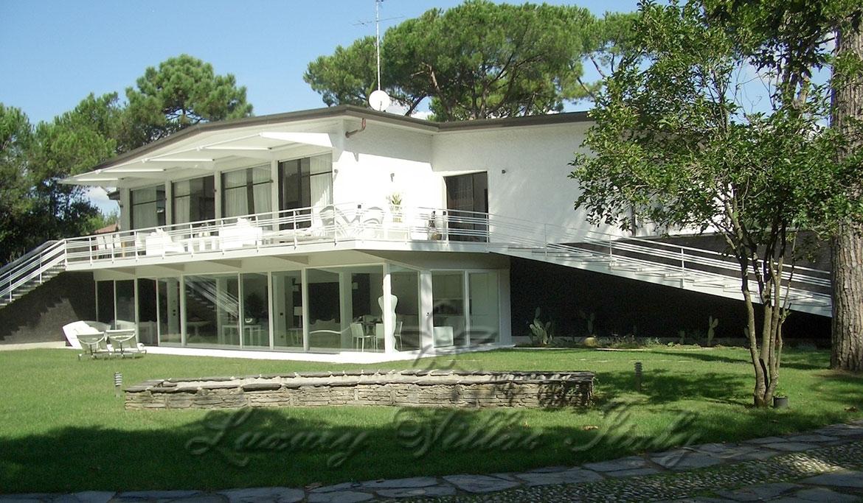 Villa di grande pregio in vendita vicino a Forte dei Marmi: Vista esterna