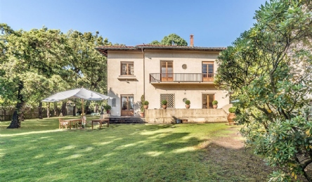 historic villa in Forte dei Marmi: Outside view