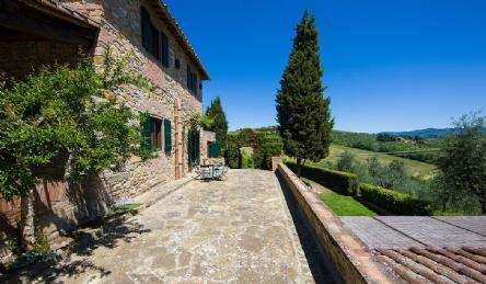 Elegant villa in Chianti: Outside view