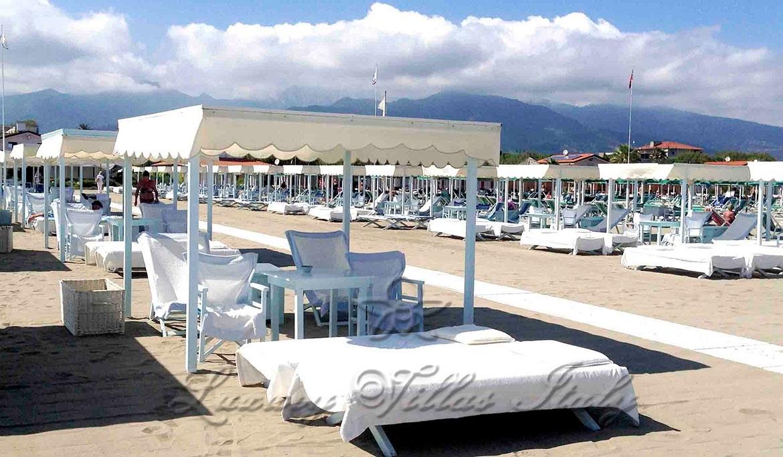 Villa di lusso con piscina : Vista esterna