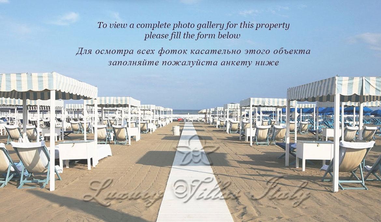 Splendida Villa Storica in vendita a picco sul mare: Vista esterna