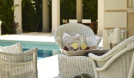 Элитная вилла с бассейном: Наружный вид