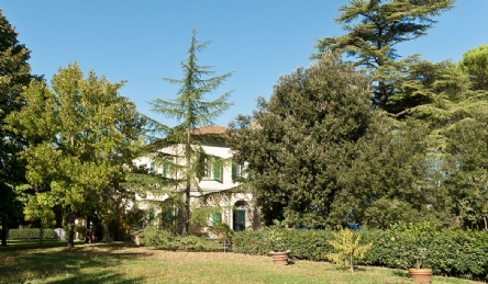 2 magnificent villas for sale near Pisa