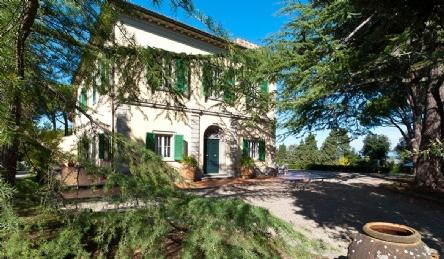 2 magnifiche ville in vendita vicino a Pisa: Vista esterna