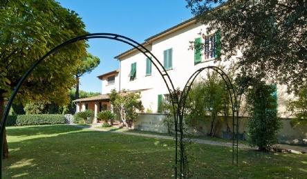 2 великолепных виллы для продажи недалеко от Пизы: Наружный вид