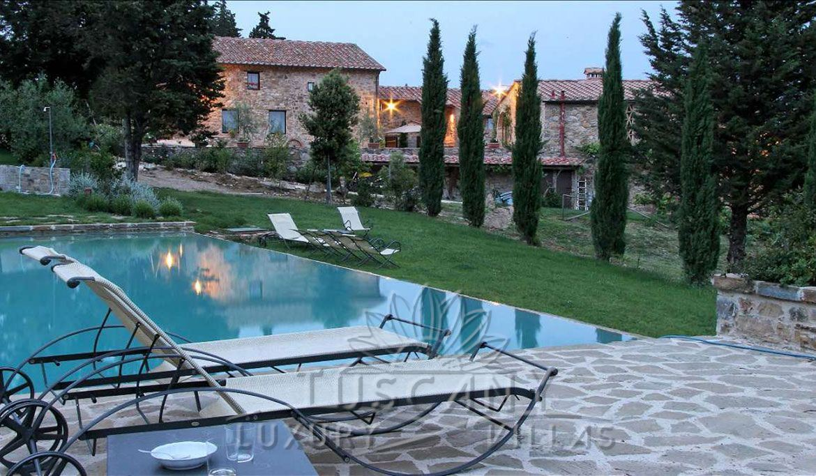 Chianti villa for sale near Florence: Outside view