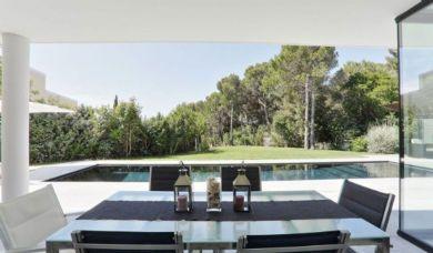 Современная вилла в продаже в Кастильончелло: Гостиная комната