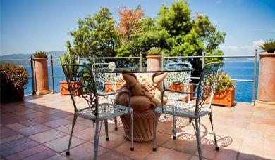 Villa con accesso privato alla spiaggio a Marciana Marina: Camera matrimoniale