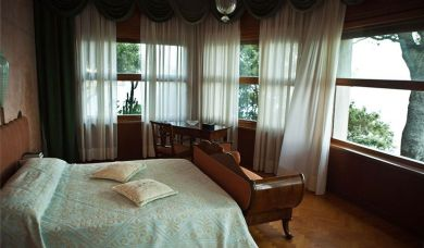 Beautiful and prestigious villa for sale on the island of Elba: Double room