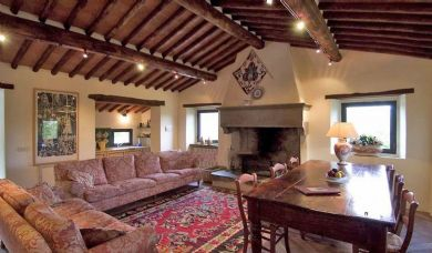 Magnificent wine estate for sale in the Chianti Classico area: Swimming pool