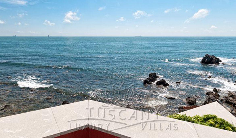 Роскошная вилла с садом в продаже в Кастильончелло: вид с терассы