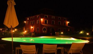 Country estate with pool for sale in Bolgheri with pool and park: Barbecue