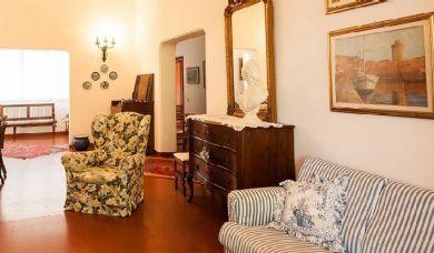 Villa in vendita a Castiglioncello con terrazze panoramiche e spiaggia privata: Vista esterna