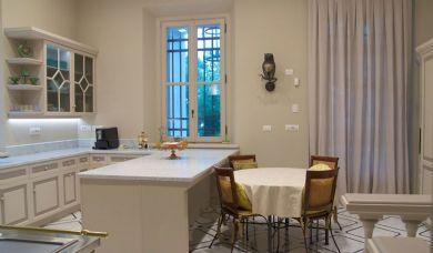 Splendida villa storica in vendita a Castiglioncello a picco sul mare: Bagno