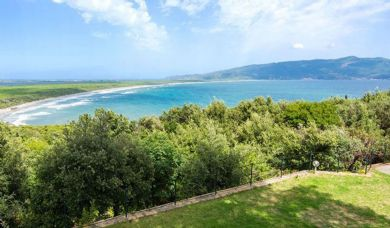 Panoramic villa for sale in Ansedonia with pool: Double room