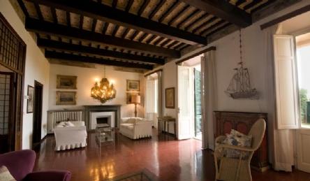 Historic villa: Outside view