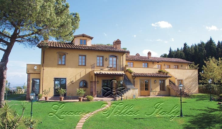 Farmhouse in Tuscany Agritourism in the hills: Outside view