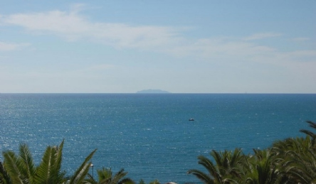 Villa vicino al mare con piscina: Vista esterna