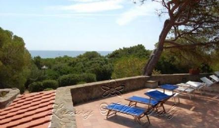 Villa Roccamare: Vista esterna