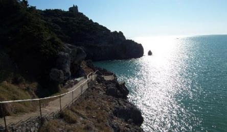 Villa con accesso privato al mare e spiaggia privata: Vista esterna