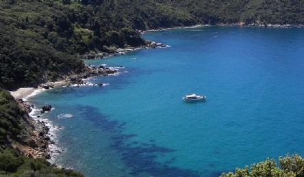 Эксклюзивная вилла с собственным выходом к морю: Наружный вид