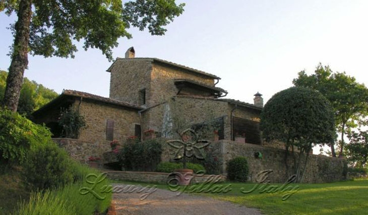 Casale: Outside view