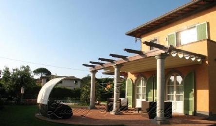 Villa moderna: Vista esterna