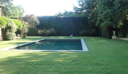 Villa with pool in Forte dei Marmi: Outside view