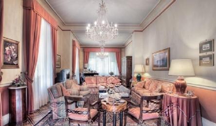 Art Nouveau villa Along the walls of Lucca: Outside view