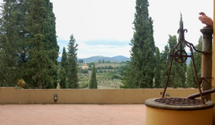 Castle for sale in Chianti: Outside view
