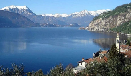Historic villa on Lake Maggiore: Outside view